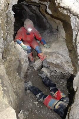 Désobstruction dans la cueva de la Piel de Najanra